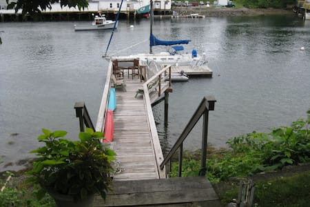 Portsmouth-Kittery Waterfront Home w/ deck & dock - Kittery - House