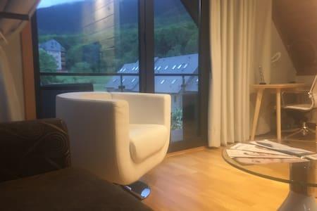 ATICO CON TERRAZA EN VIELHA - Loft