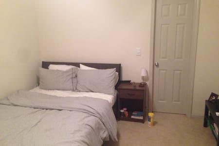 Spacious 3 bedroom Decatur Apt - Apartamento