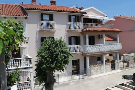 Two bedroom apartment with terrace and sea view Duga Luka (Prtlog), Labin (A-5528-b) - Altro