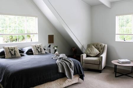 River Cottage Puhoi Loft - Loteng Studio
