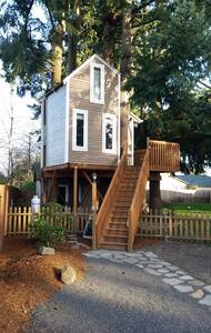 Fir Grove Treehouse 1BD Room - Vancouver - Baumhaus