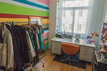 Zimmer in bunter WG/Room in Colorful Apartment