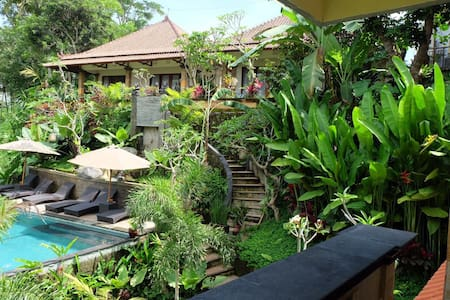 Tini Villa Standard Room 3 (rice fields pool view) - Tegallalang - House