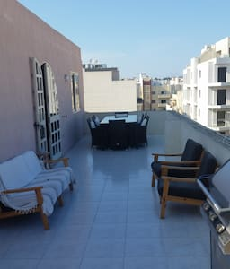 Penthouse * King Size Bed * Big Outdoor Terrace - Apartemen