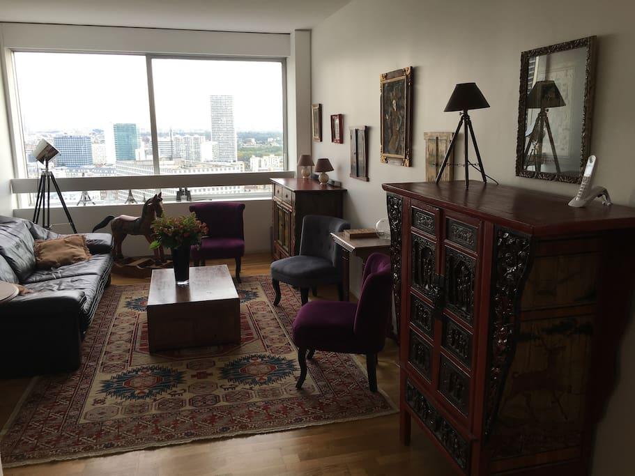 e tage tour vue paris appartements louer puteaux. Black Bedroom Furniture Sets. Home Design Ideas