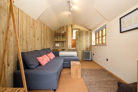 The Garden Studio at Hazel Cottage - Ludlow - Bed & Breakfast