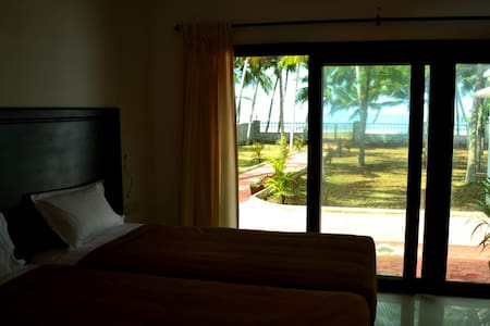 Beach House Home Stay in Trivandrum GF2 - Thiruvananthapuram - House