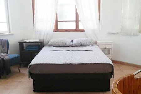 central bright eclectic 2 room flat - Tel Aviv-Yafo - Apartment
