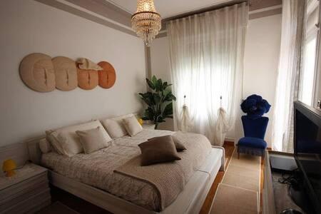 Luminosa stanza con vista mare - Bordighera - Villa