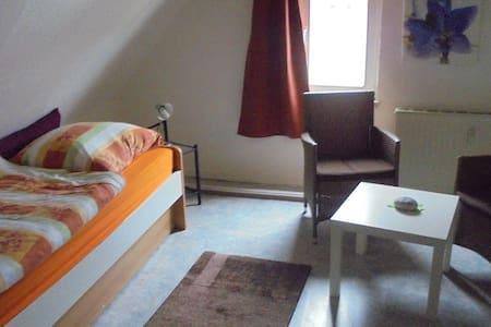 Altstadt idylle  MZ-WI-F   1-2 Bett - Casa