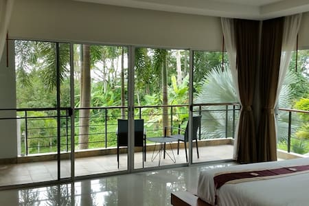 Quiet Kamala Hilltop Apt. with Pool - Apartemen