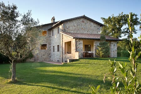 Hilltop House in Borgo Case Bardi - Montorgiali - House
