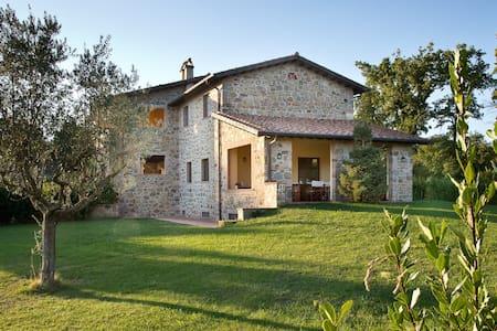Hilltop House in Borgo Case Bardi - Montorgiali - Haus