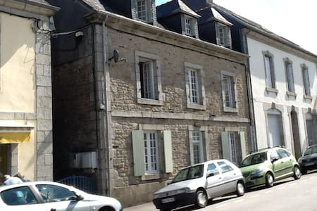 Grand Maison  with 4 bedrooms - Huelgoat