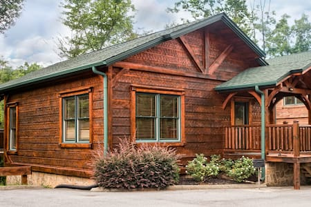 Luxury Cabin in Gatlinburg Falls - Gatlinburg - Cabane