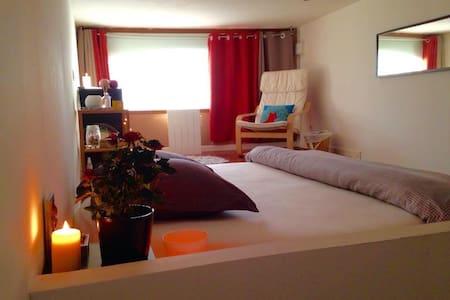 Chambre lit XXL dans loft rénové - Lille - Loft