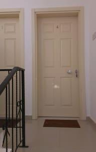 Апартаменты 3+1 в Гирне,Лапте на берегу моря. - Girne - 公寓