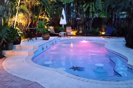 Private Tropical Oasis With Pool! - Oakland Park - Casa