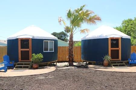 Camp Coyoacan Yurt #2 - 蒙古包