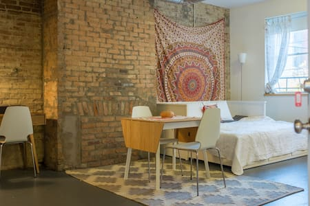 Be right in the middle of all that's happening in Over The Rhine. Walking distance to everything in downtown. This simple, tiny, and very bright street-side studio apartment is a totally cute crash pad for the intrepid urban explorer.