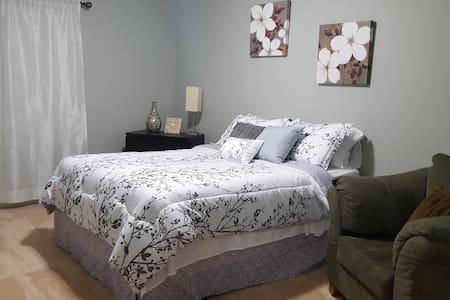 Cozy private bedroom near Atlanta 1 - Ház