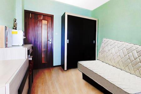 Отдельная комната с ключом в новой 3х ком.квартире - Byt