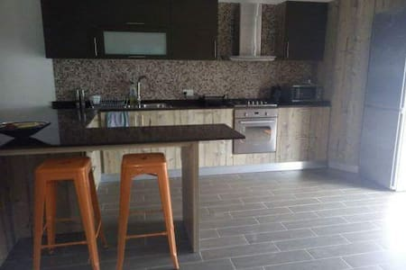 HomeStay Triple Room Mater Dei Area - Birkirkara
