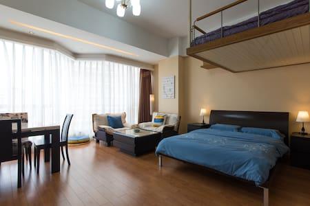 西湖零距离 地铁一号线 吴山夜市、湖滨银泰、大空间舒适家庭房 - Apartment