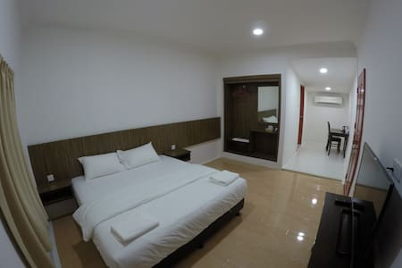 Summer Beach Lodge-Deluxe King Room - Labuan - Huoneisto