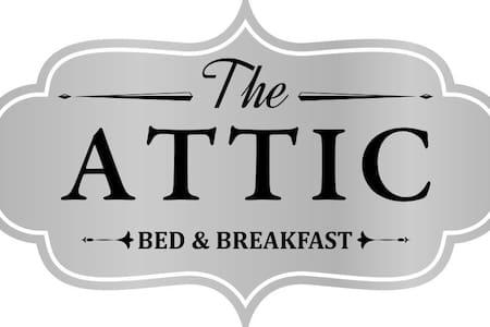 The Attic - BednBreakfast - Room - Coblong