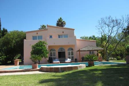 Luxury Sotogrande villa with private pool - San Roque