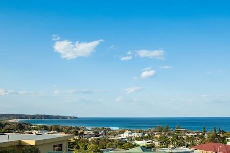 "High Tide  ""Uninterrupted Coastal Views"" - Tathra"
