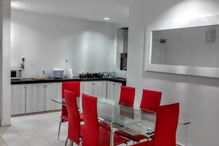 NEW! Cozy Resort Apartment Near the Curve & 1Utama - Apartment