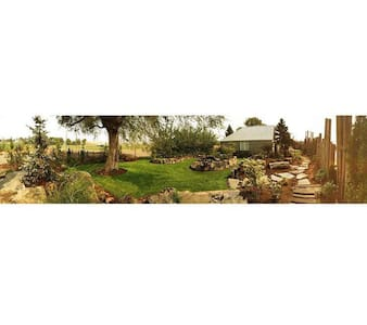 Artsy Garden Cottage - Hermiston - Hus