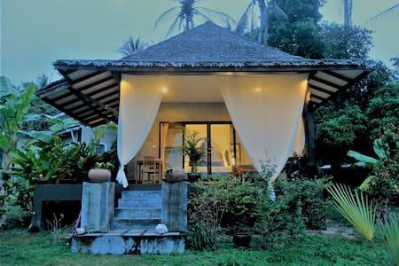 Beautiful Tropical Modern house2, outdoor bathtube - Ko Pha Ngan - House