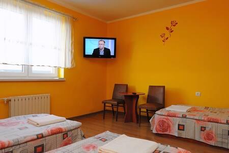 Kujawska Zagroda - doskonałe pokoje z łazienkami - Haus