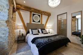 Picture of Lovely cocoon with ensuite, wi-fi,