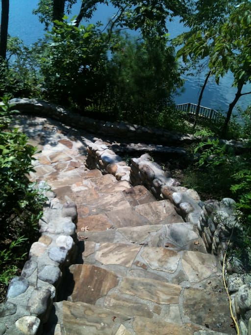 Front steps down to the cool water of Lake Burton!