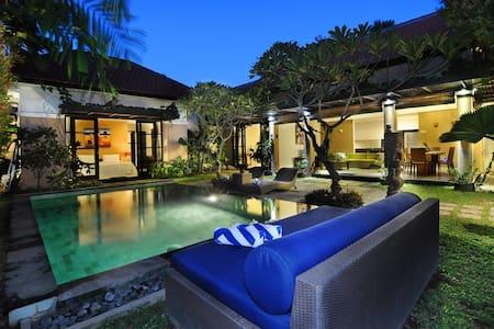 Beautiful private pool villa in Berawa,Canggu Bali - North Kuta - Villa