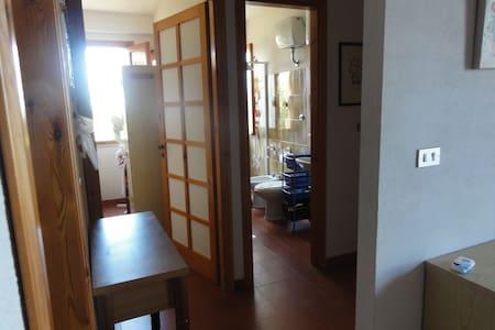 Comodo appartamento a 100m dal mare - Huoneisto