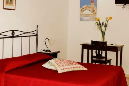 B&B La Mimosa - camera matrimoniale - ballata (erice)  - Bed & Breakfast