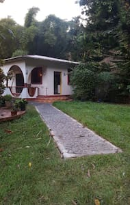 1 bedroom house on a private estate - Loubiere - Rumah