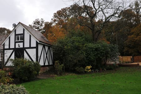 Caister Cottage Barn - Hampshire