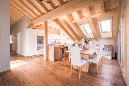 Divine Penthouse in magical Wengen - Flat