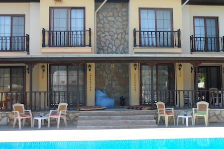Tamson Villas - Casa