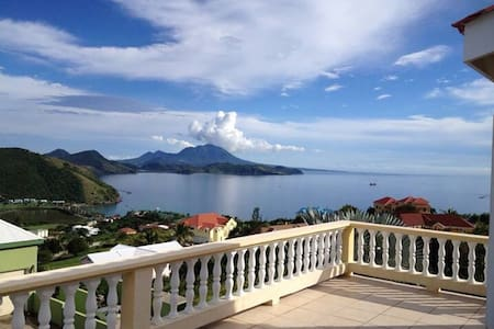 3 Bedroom Villa Overlooking The Sea - Frigate Bay