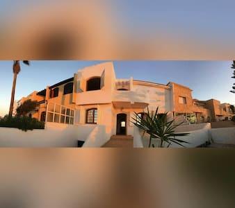 Très joli Cabanon en front de Mer - Tamaris - Villa
