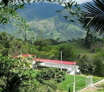 Casa en Anolaima Cundinamarca - Ház