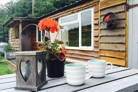 Camping Hutte, All Stretton - All Stretton